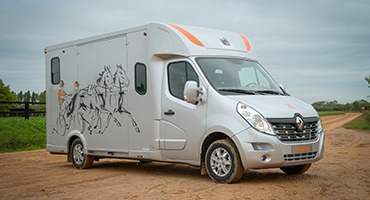 Theault Proteo Horsebox