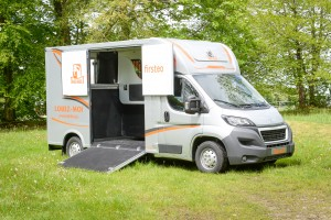 theault horsebox hire uk