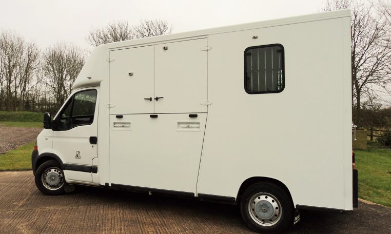 Thealut used horsebox for sale