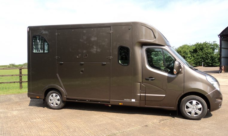 Theault Horseboxes UK